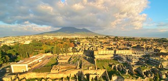 Ruins of pompeii with the vesuvius (1) listing