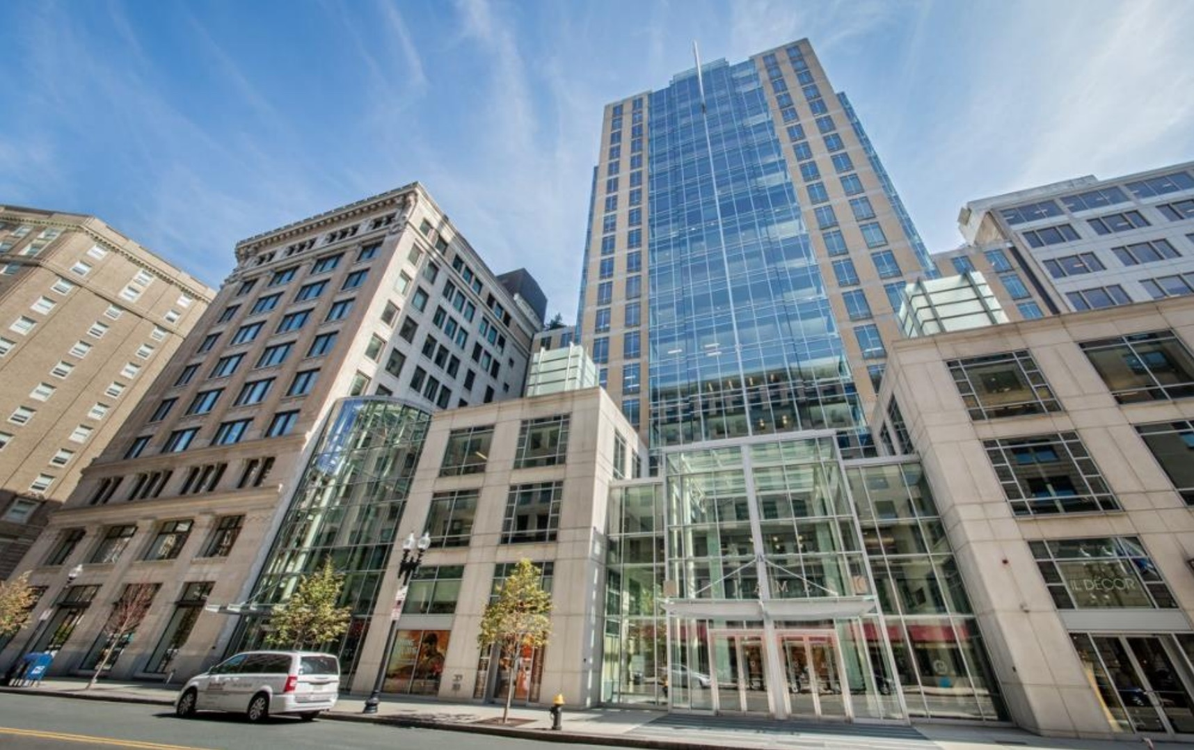 10 st james avenue 75 arlington street back bay office property acquisition mori trust tokyo japan