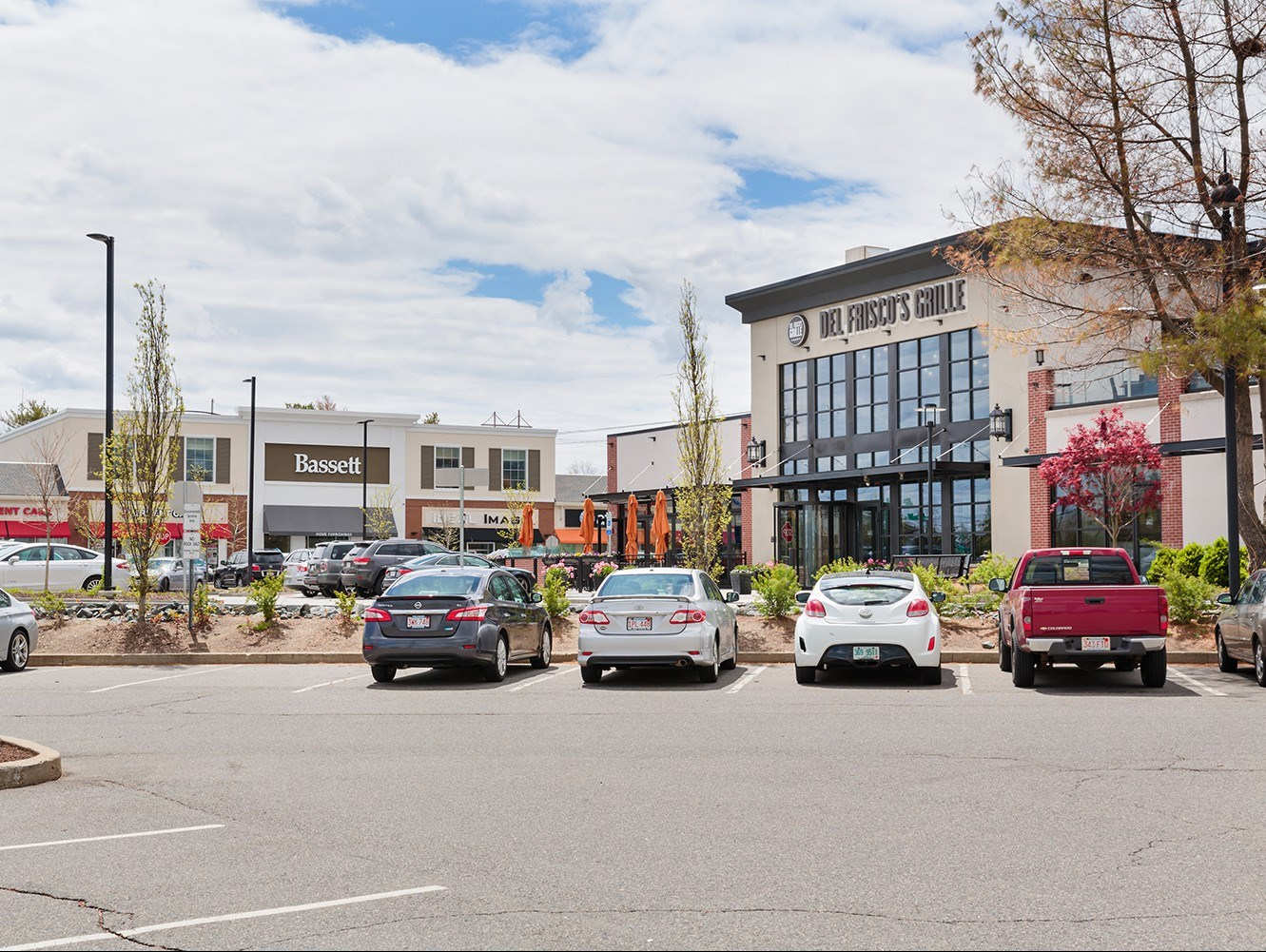 Middlesex marketplace 90 92 middlesex turnpike burlington ma retail real estate development trammell crow