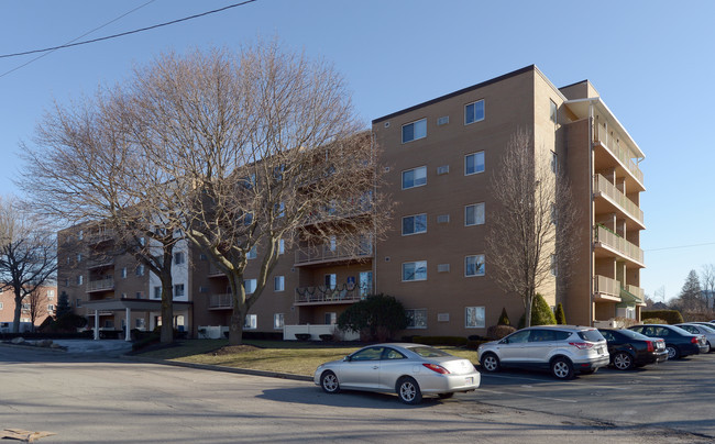 Camelot apartments weymouth ma primary photo