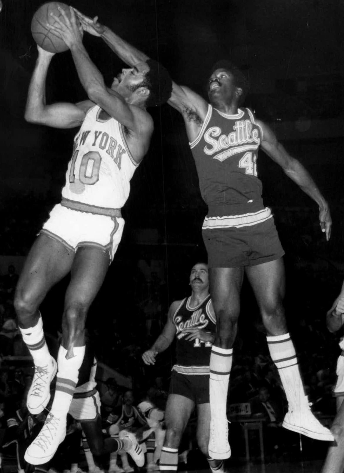 Walt Frazier (left) and Lucius Allen (right).