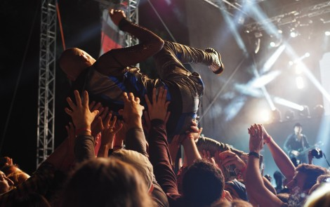 Conoce 5 beneficios que tendrás al escuchar rock