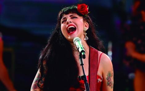 ¿Qué posibles canciones nos trae Mon Laferte a Lima? Entérate aquí