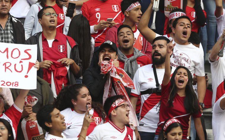 Las 32 frases que llevarán los buses de las selecciones en el Mundial ¡La de Perú es hermosa!