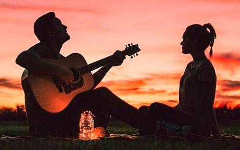 Canciones de bandas peruanas que te servirán para enamorar al amor de tu vida