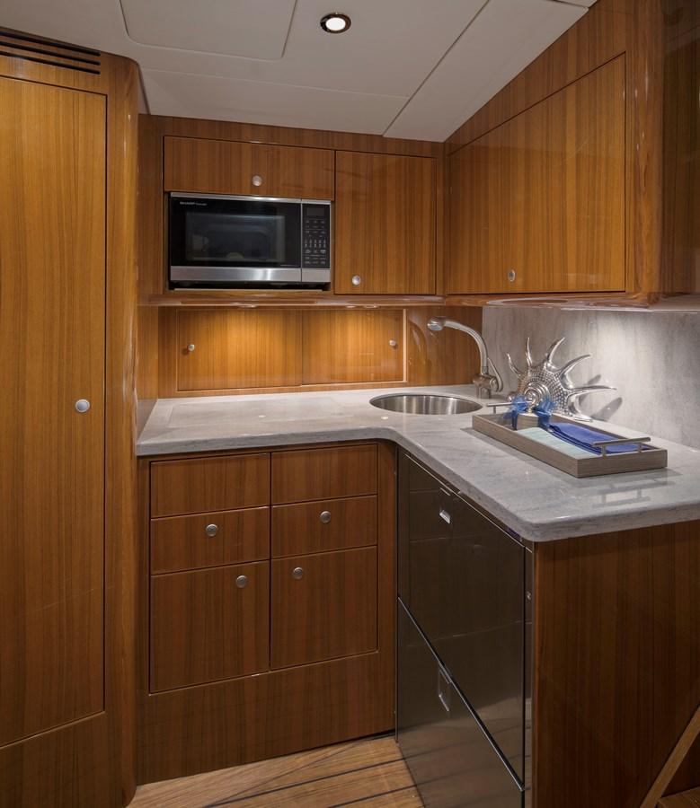 37BF Galley - 37 VIKING For Sale