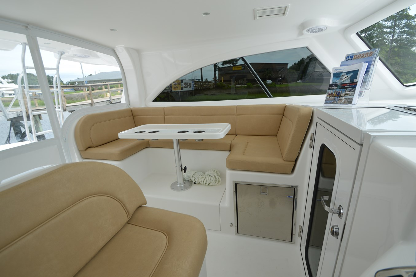 Dinette - 37 VIKING For Sale
