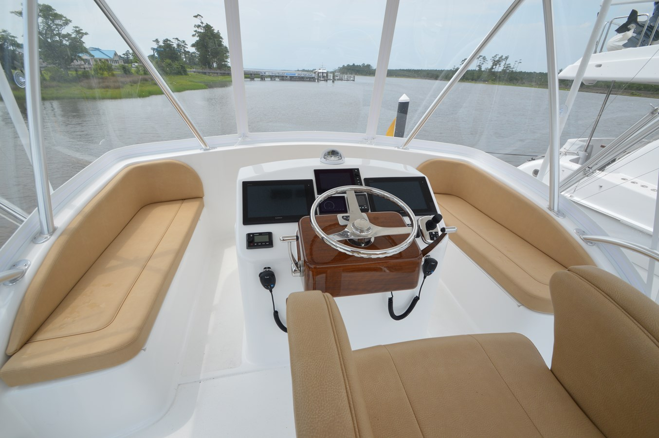 Helm - 37 VIKING For Sale