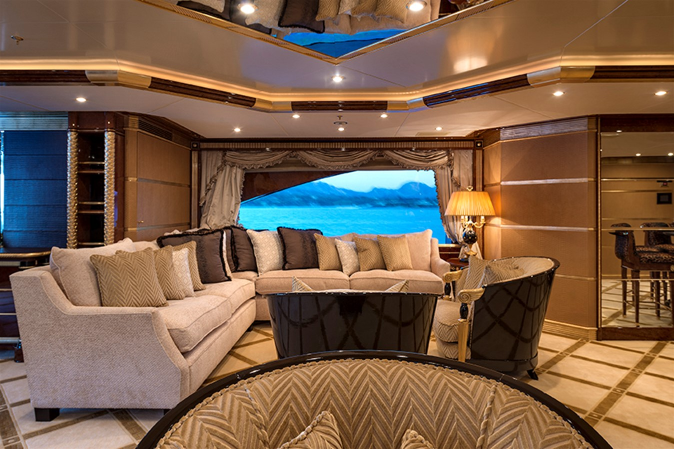 Sky Lounge - 203 BENETTI For Sale
