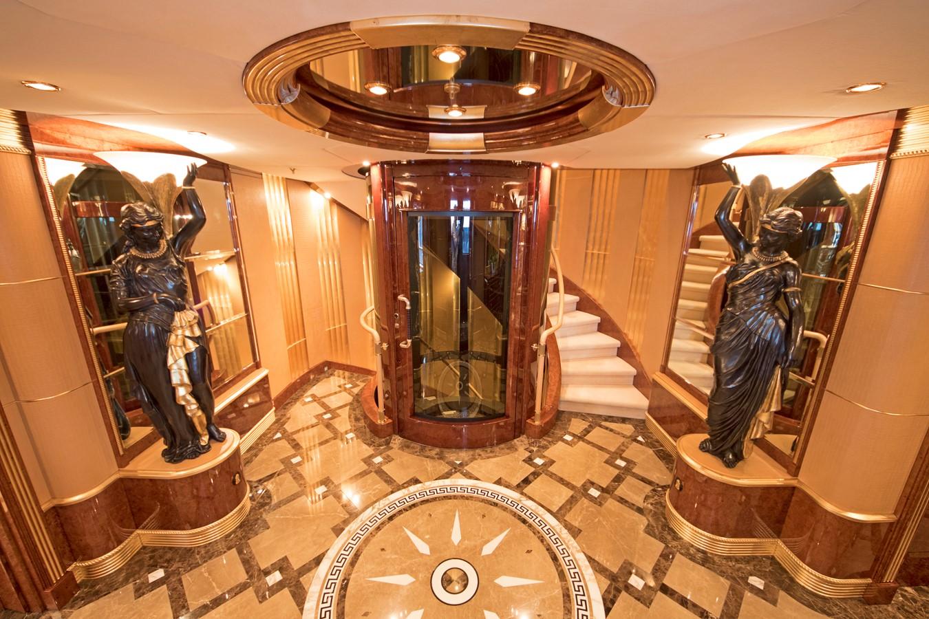 Elevator - 203 BENETTI For Sale