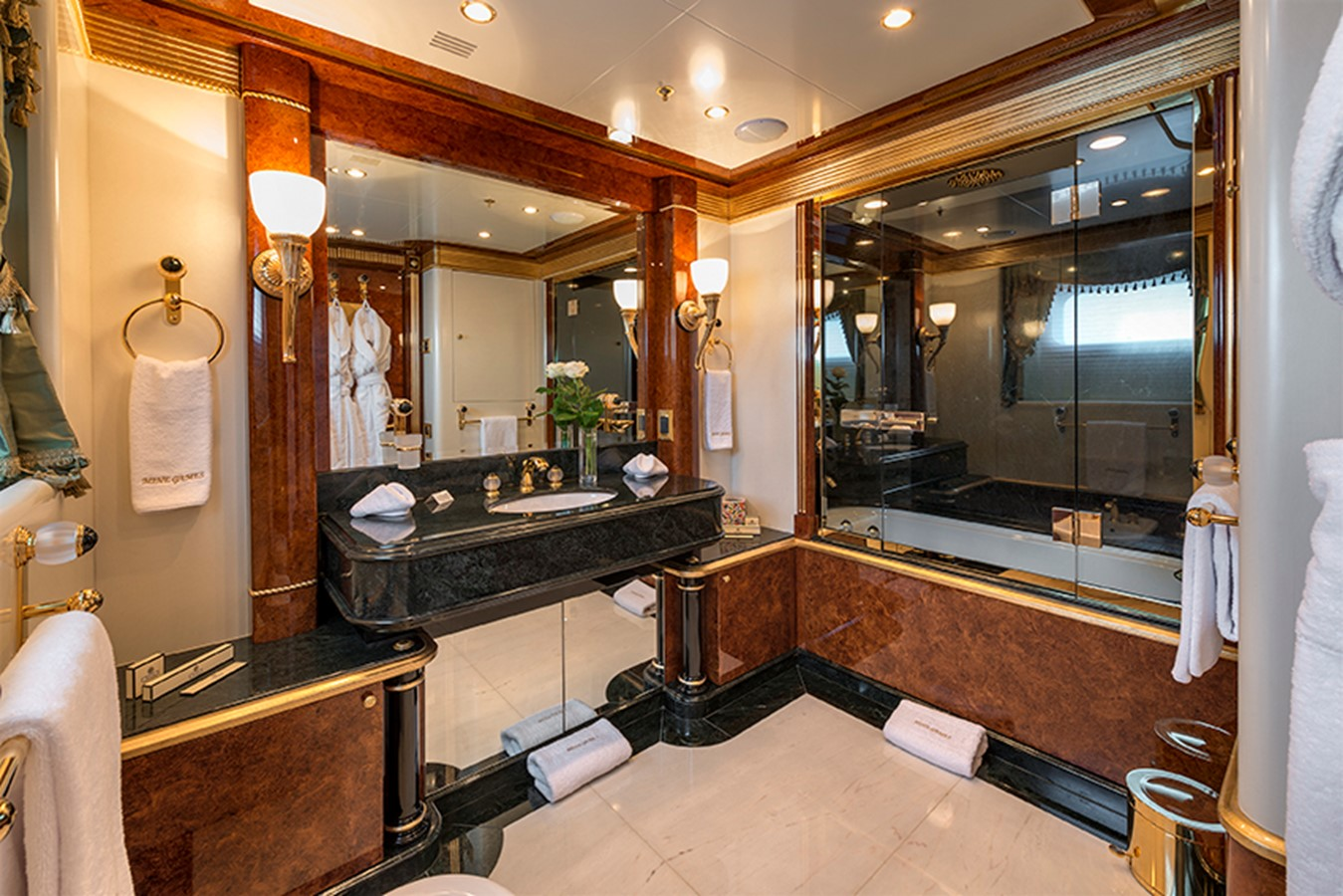 Guest Bathroom - 203 BENETTI For Sale