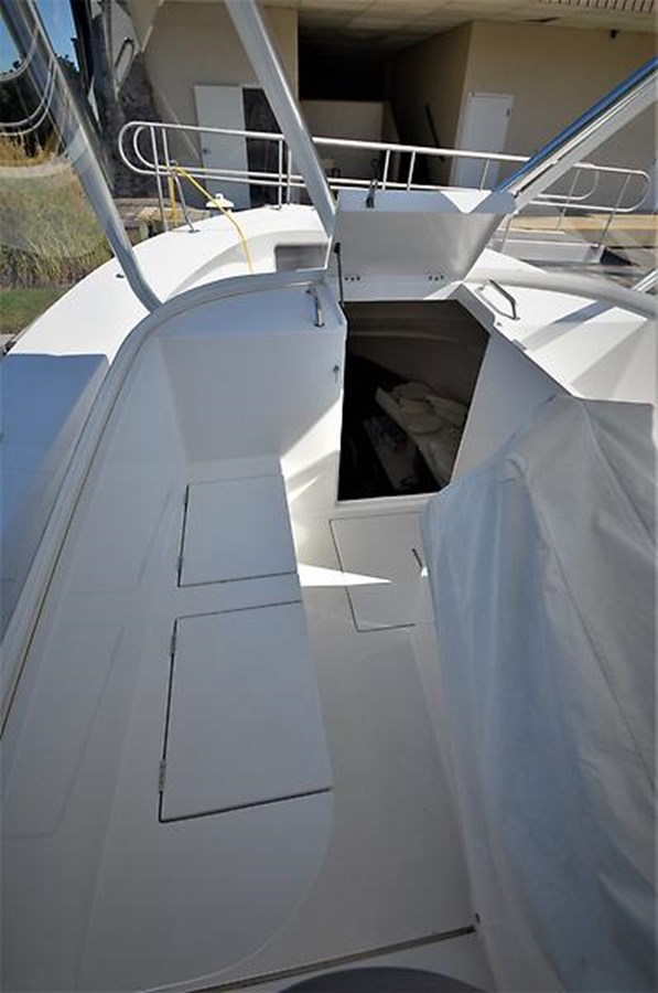 2001 Custom Rambo Fisharound Express Helm Seating - 34 CUSTOM / RAMBO For Sale