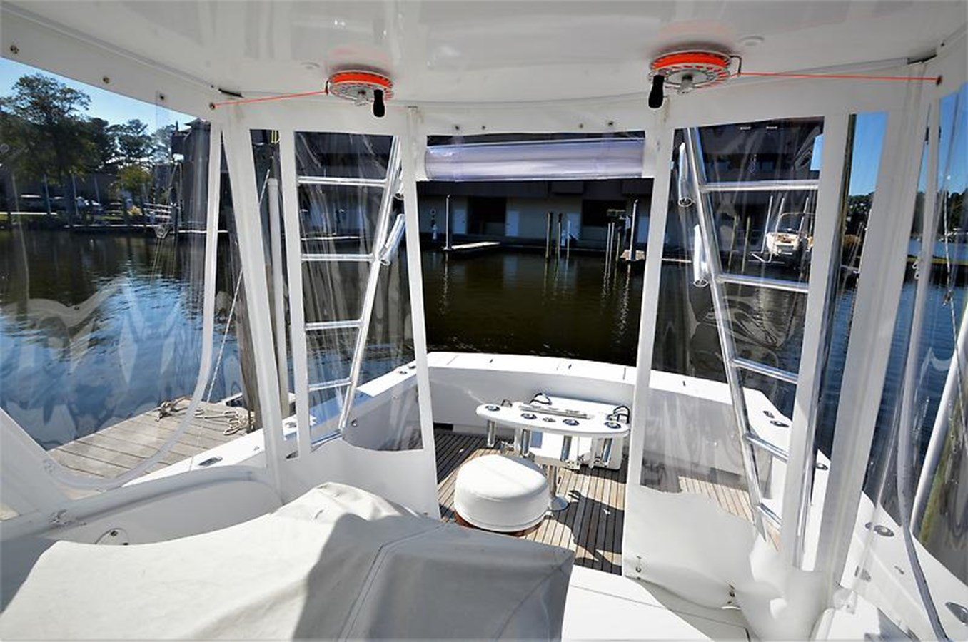 2001 Custom Rambo Fisharound Express Helm Area - 34 CUSTOM / RAMBO For Sale