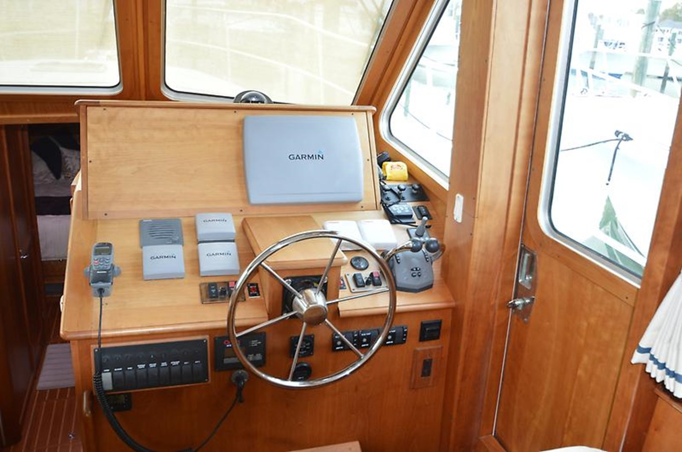 Helm - 42 SABRE YACHTS For Sale