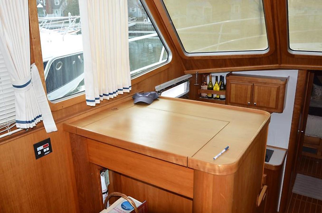 Desk - 42 SABRE YACHTS For Sale