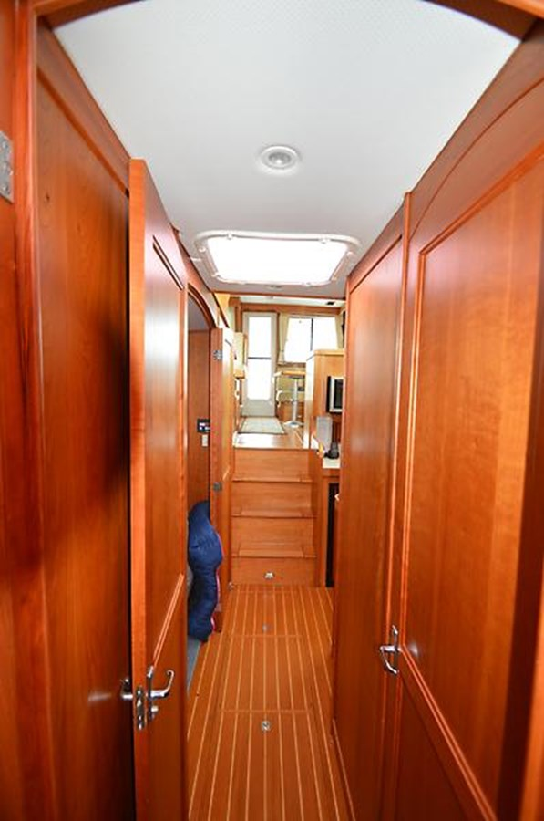 Companionway - 42 SABRE YACHTS For Sale