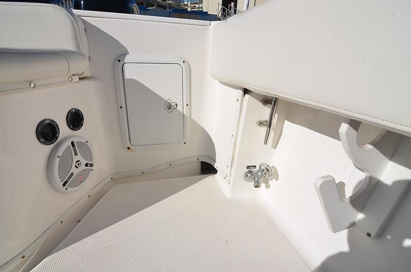 Port Aft Cockpit - 34 FOUNTAIN For Sale