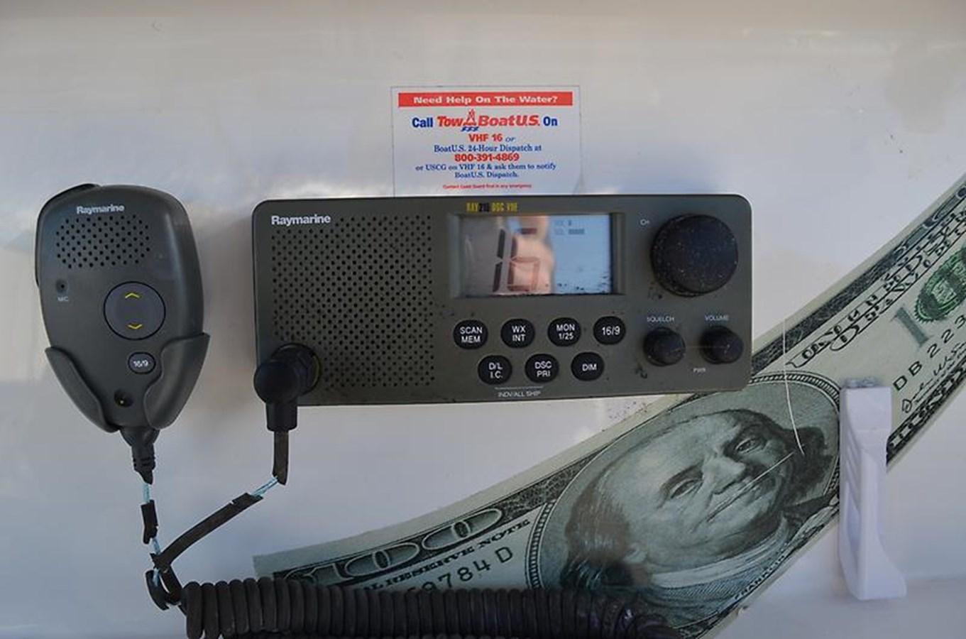 Raymarine VHF - 34 FOUNTAIN For Sale