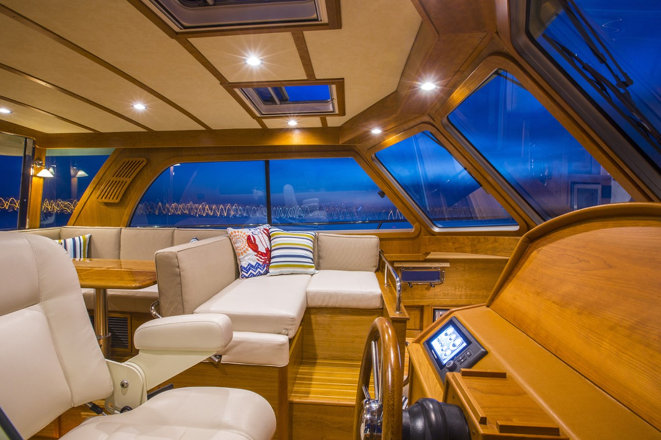 Helm Looking Port - 38 SABRE YACHTS For Sale
