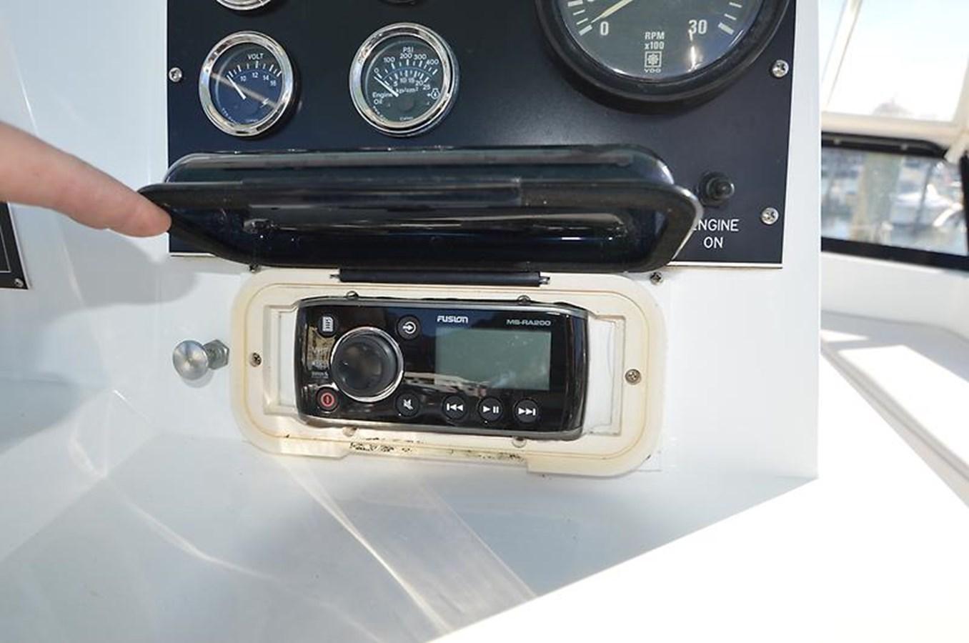 Flybridge Stereo - 45 VIKING For Sale