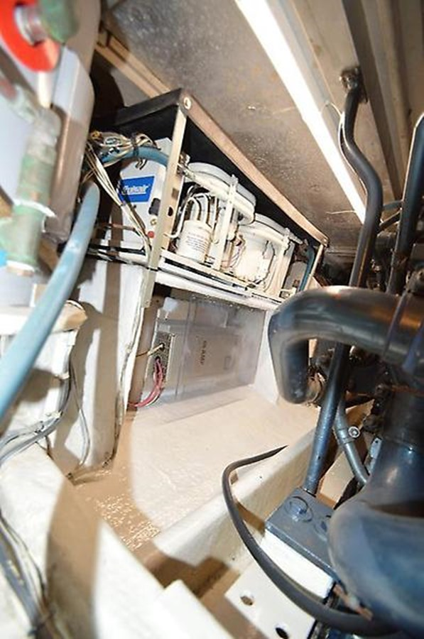 Engine Room - 45 VIKING For Sale