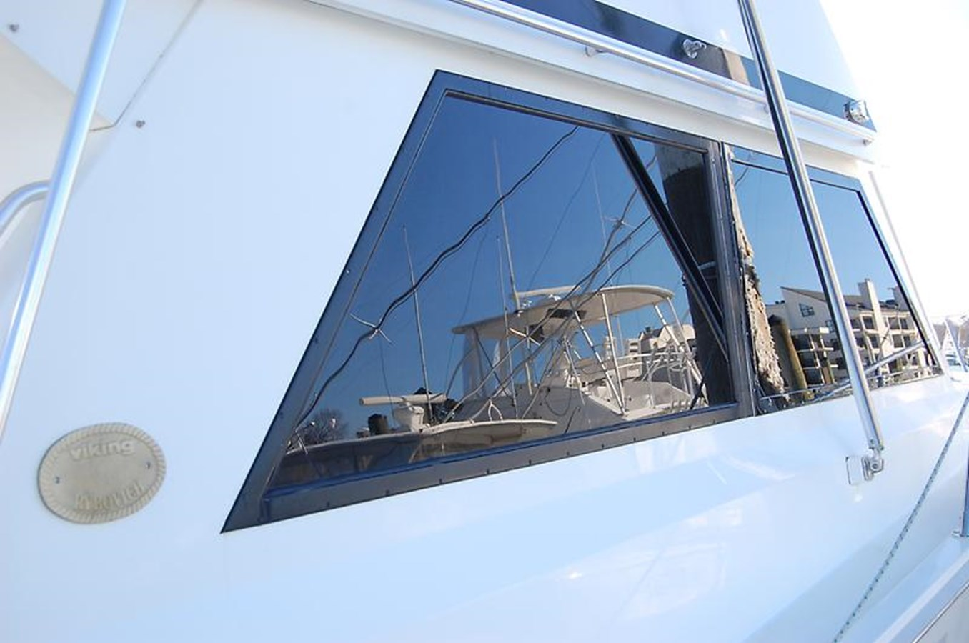 Stbd Windows - 45 VIKING For Sale
