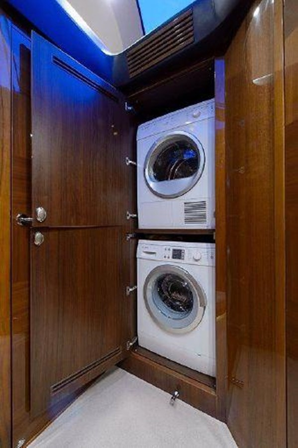 60 Princess Washer/Dryer - 60 PRINCESS YACHTS For Sale
