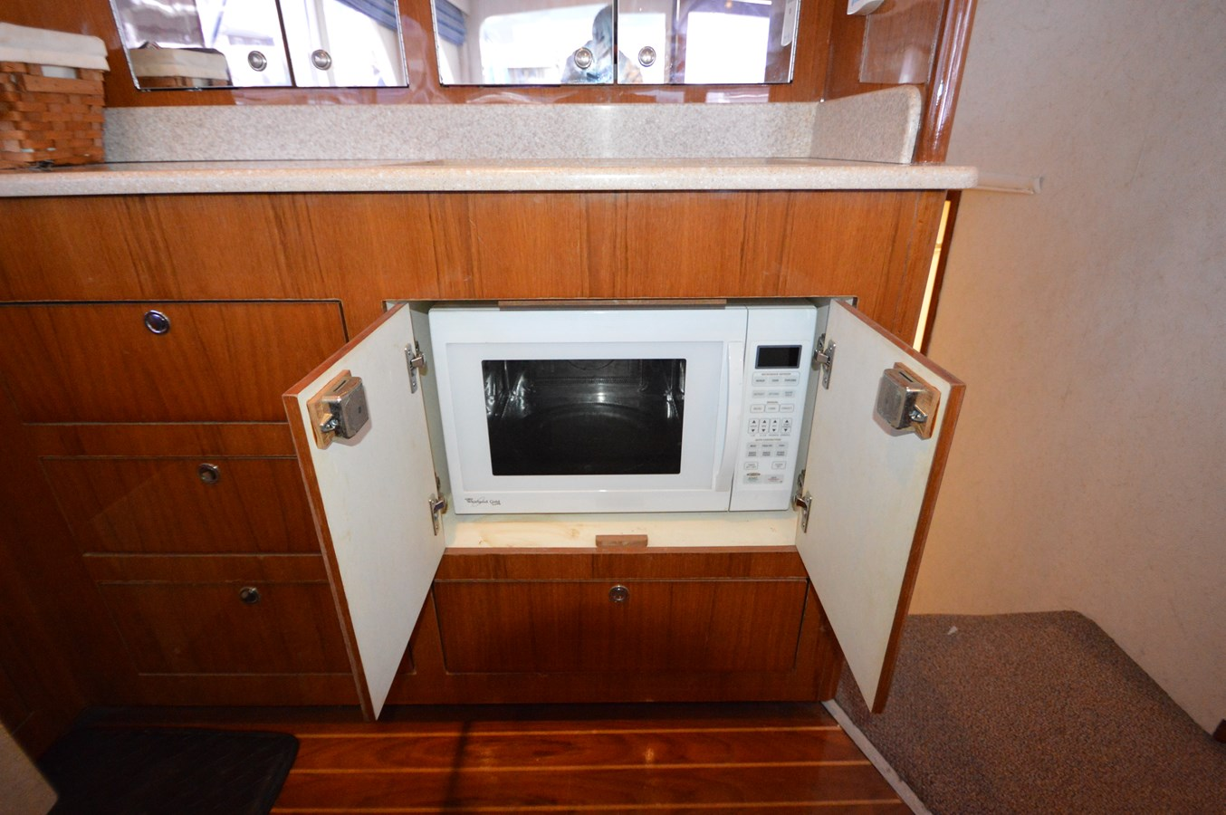 53 Capps Microwave - 53 CAPPS BOATWORKS, INC. For Sale