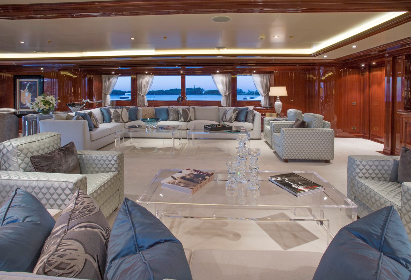 Second Deck Skylounge - 214 CODECASA For Sale