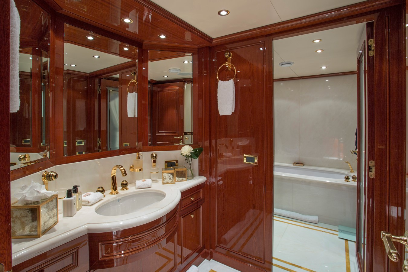 Master Stateroom Head - 214 CODECASA For Sale