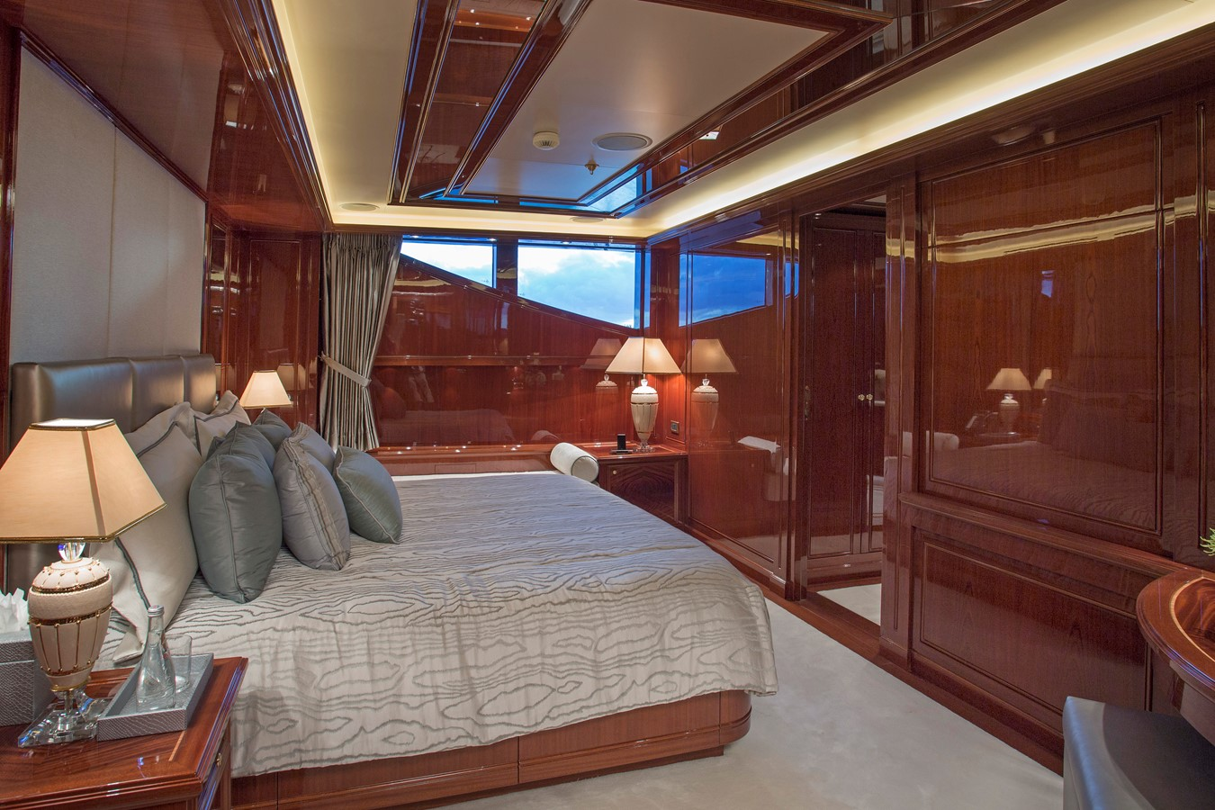 Second Deck, Stateroom adjoining the Master Stateroom - 214 CODECASA For Sale