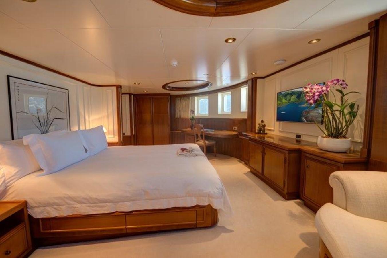 Master suite port view - 193 SCHEEPSWERF SMIT For Sale