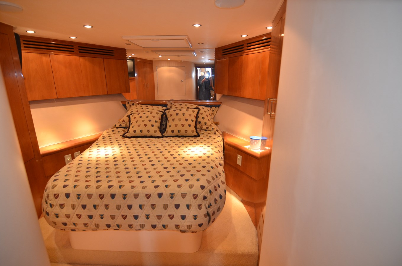 Fwd VIP - 55 HATTERAS For Sale
