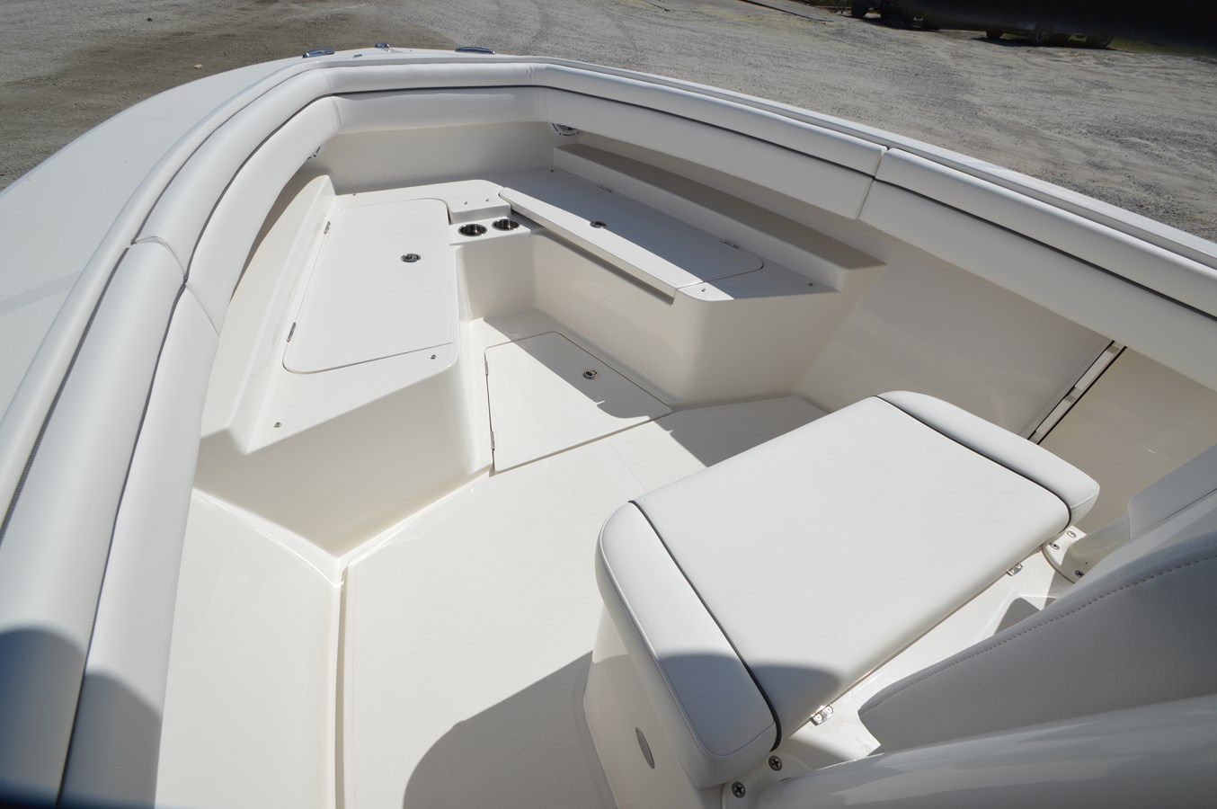 26 Jupiter Bow - 26 JUPITER For Sale