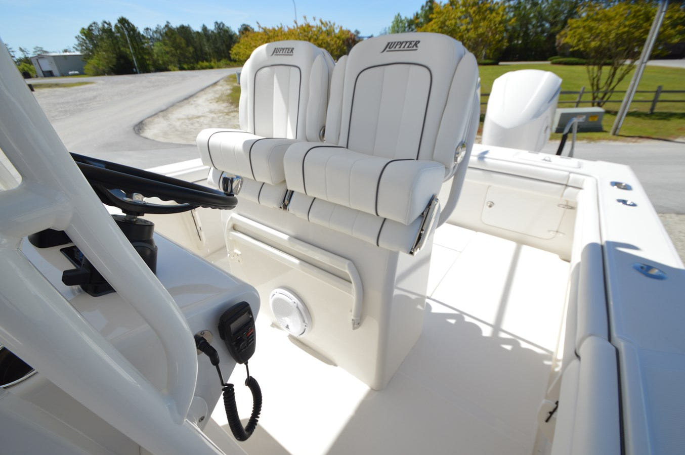 26 Jupiter Helm Seats - 26 JUPITER For Sale