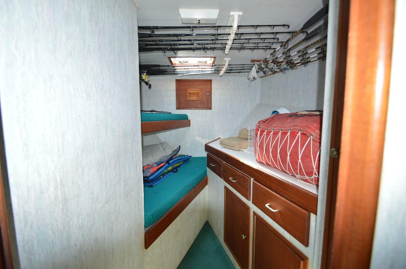 58 Bobby Sullivan - Fwd Cabin Bunks - 58 Custom Carolina Bobby Sullivan For Sale