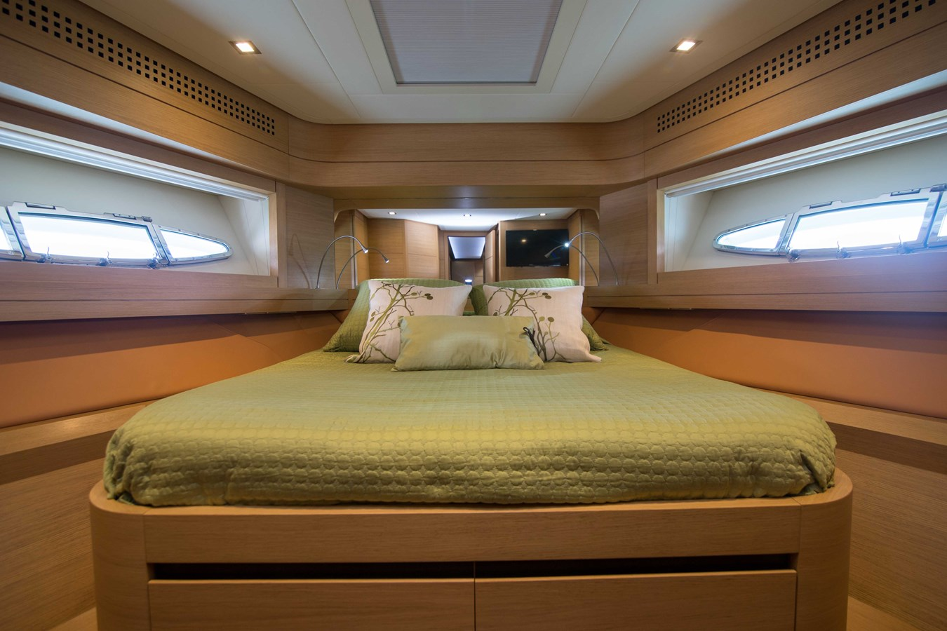 80 Pershing VIP Fwd Stateroom - 80 PERSHING For Sale
