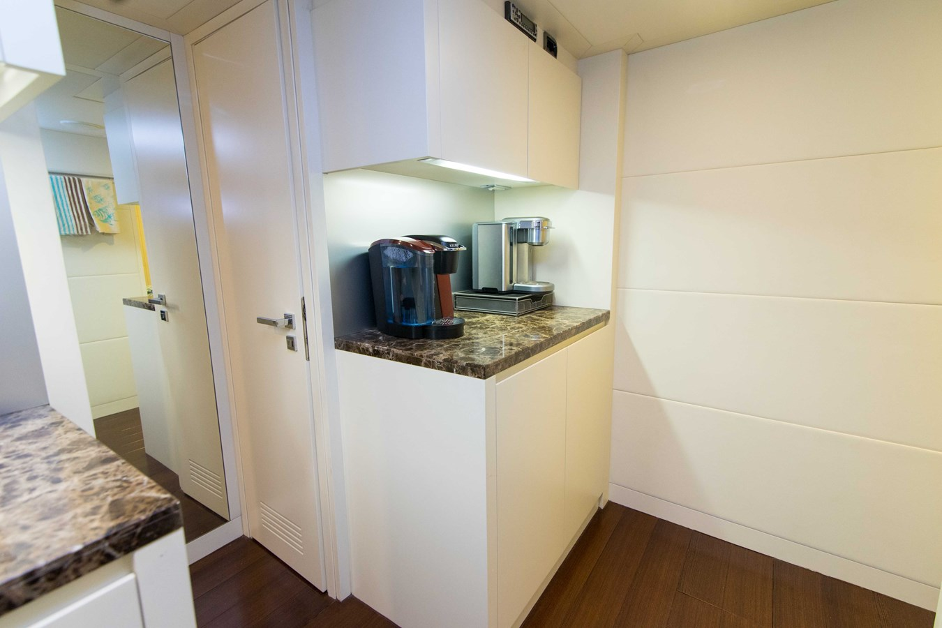 80 Pershing Galley - 80 PERSHING For Sale