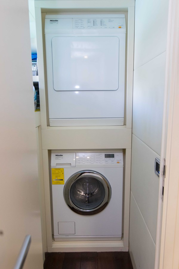 80 Pershing Laundry - 80 PERSHING For Sale