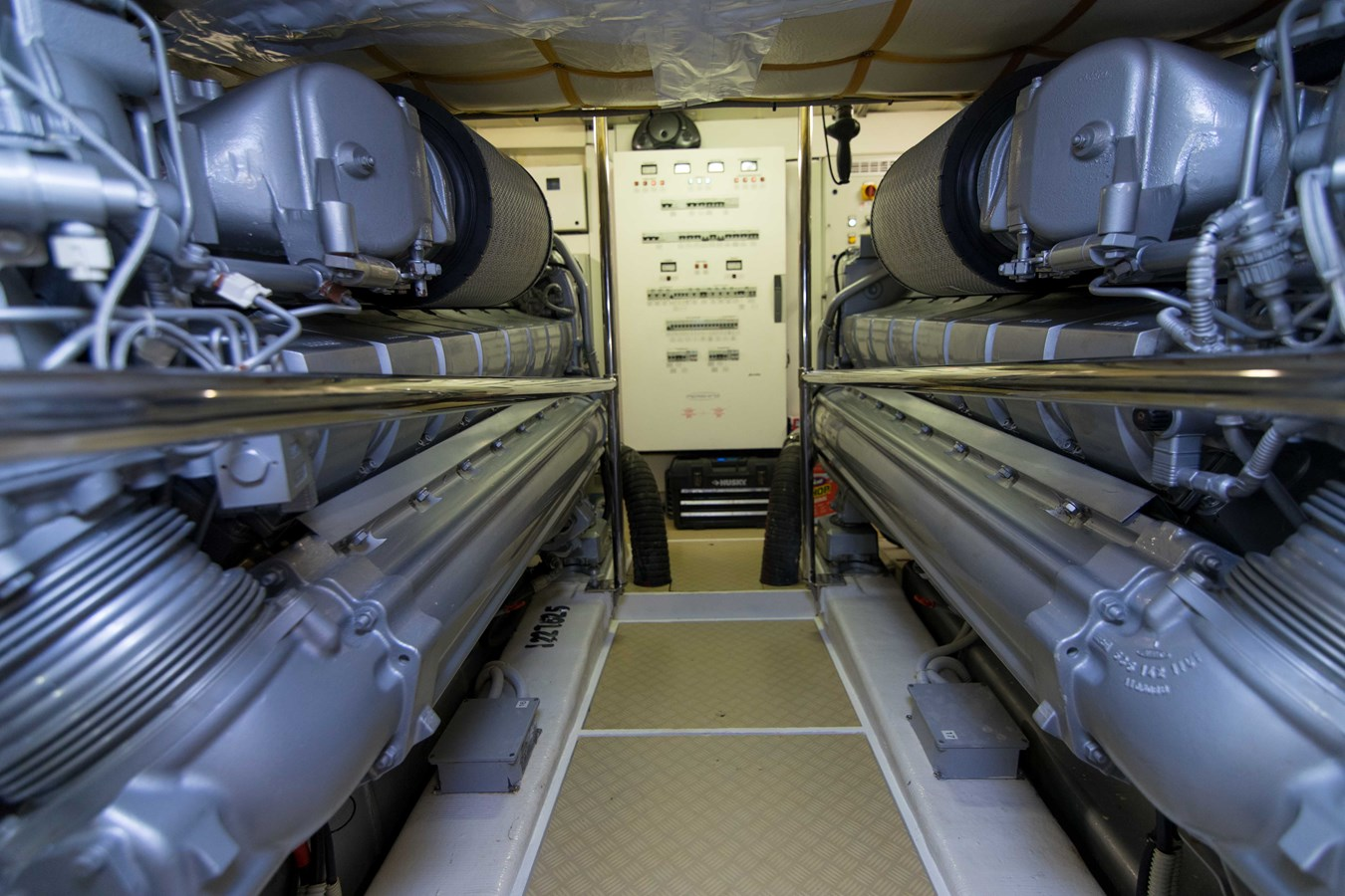 80 Pershing Engine Room - 80 PERSHING For Sale