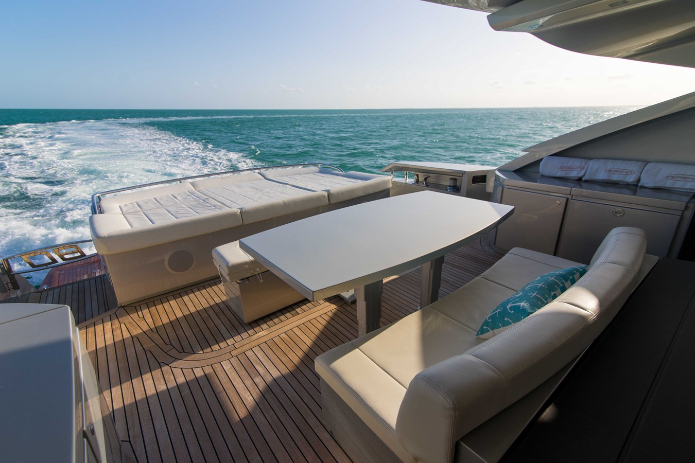 80 Pershing Cockpit - 80 PERSHING For Sale