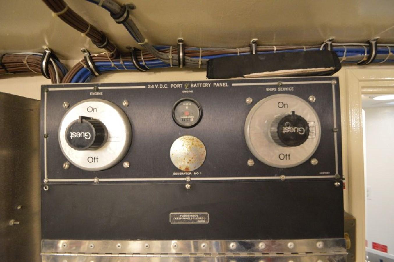 Port Engine Hours - 54 HATTERAS For Sale