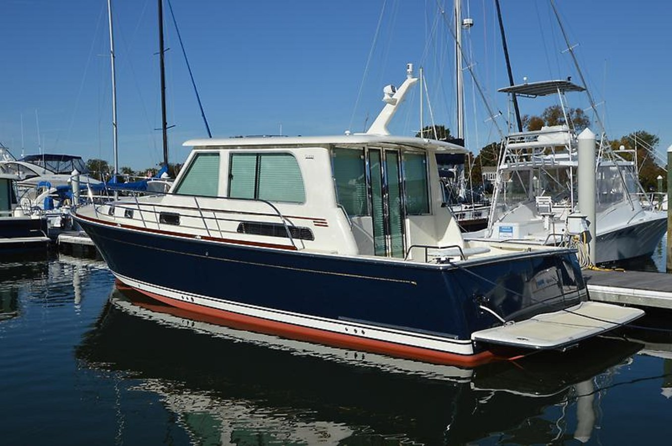 2017 42 Salon Express Sabre - 42 SABRE YACHTS For Sale
