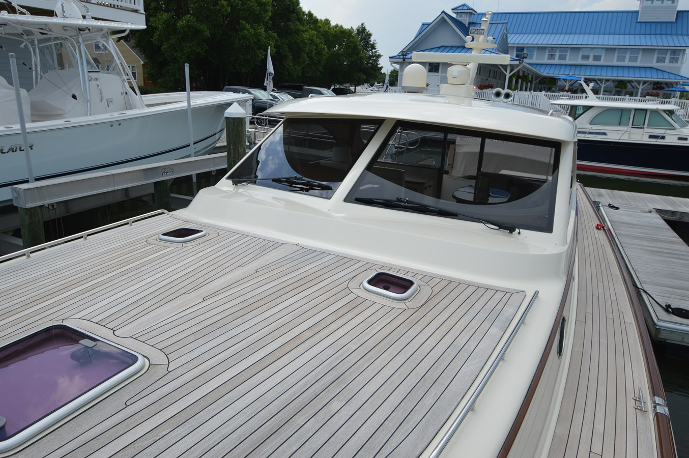Teak Foredeck - 48 SAN JUAN For Sale