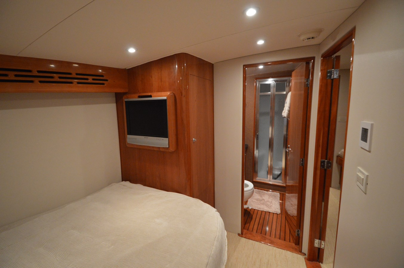Master Ensuite - 58 JARRETT BAY For Sale