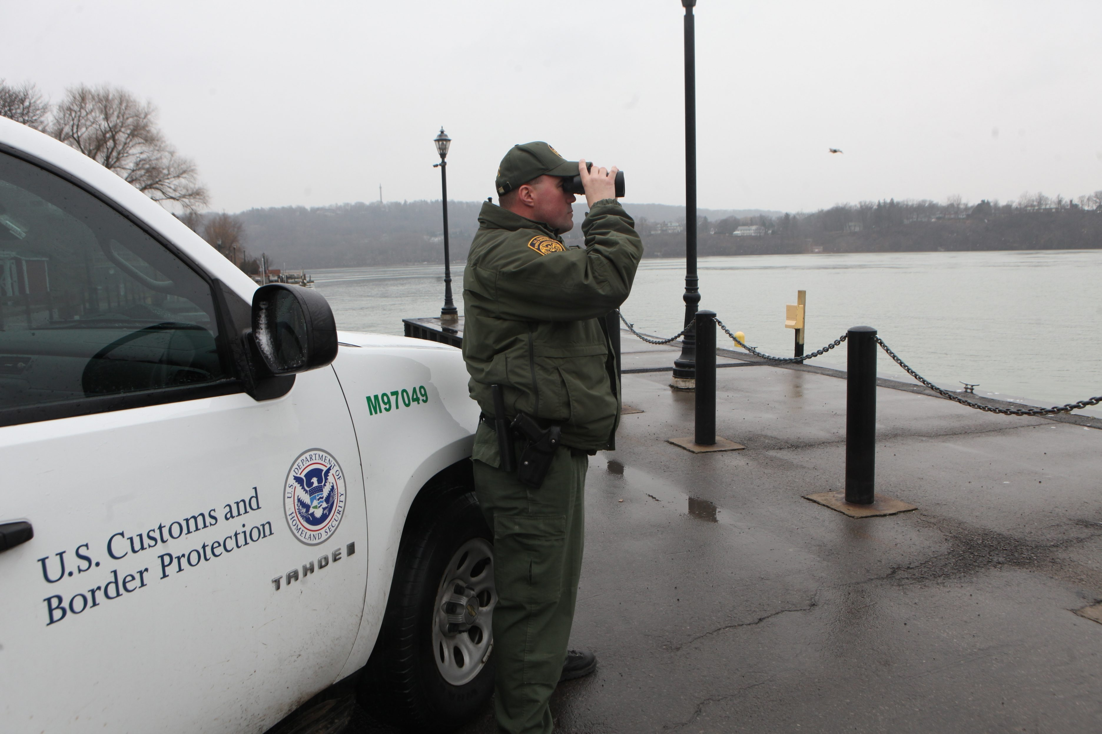Better training can help border agents make the right decisions on searches. (Sharon Cantillon/Buffalo News file photo)