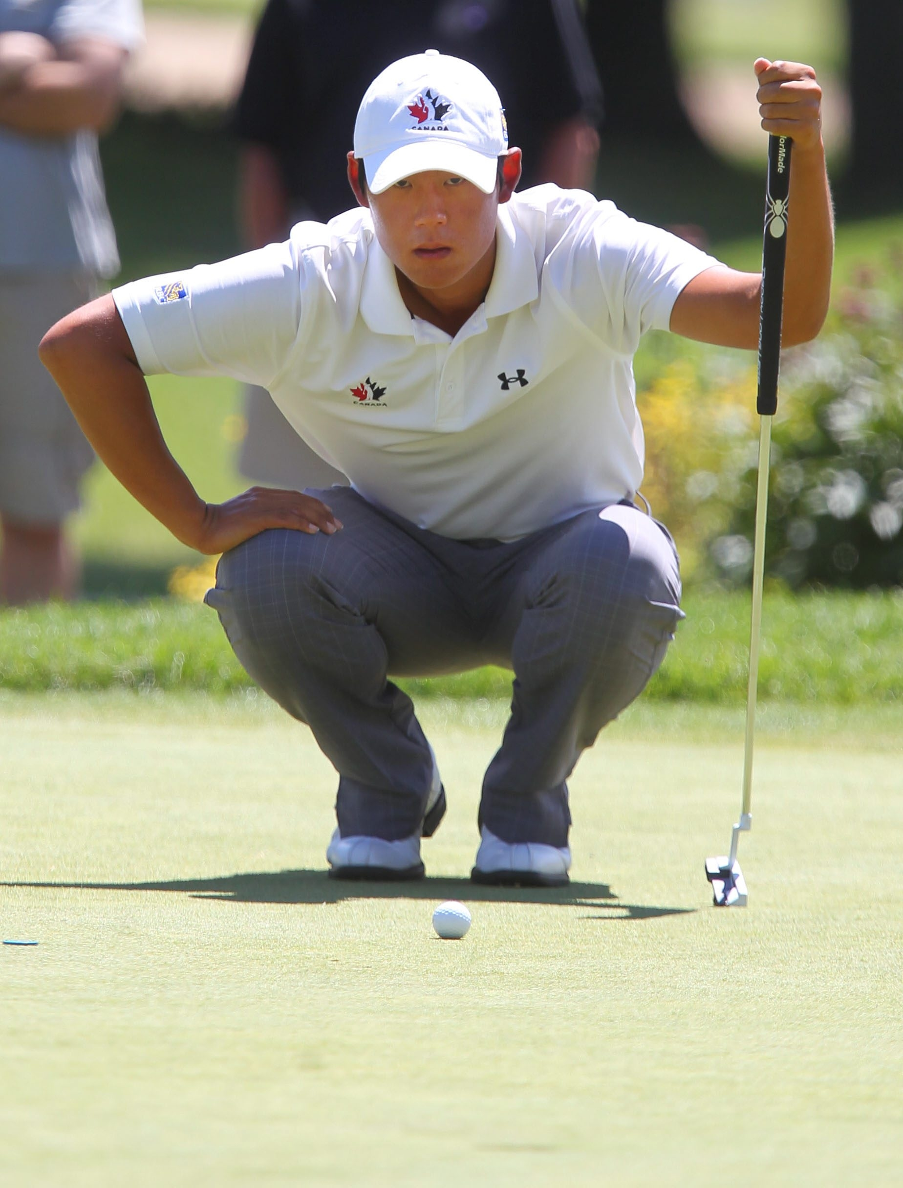 First-round leader Justin Shin will be in the final group, trailing the leader by just one stroke.