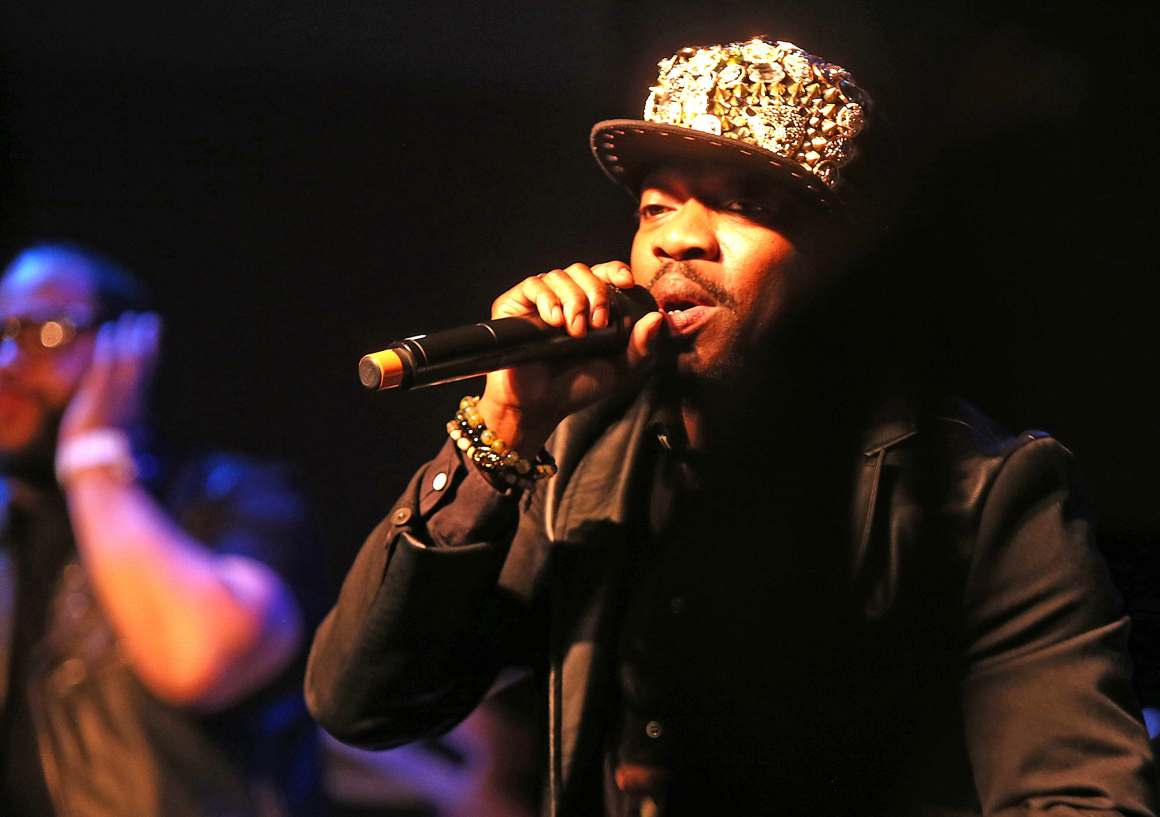 Anthony Hamilton wasn't afraid to share the spotlight with his five-piece band and four singers Friday night in a high-energy show at the Tralf.