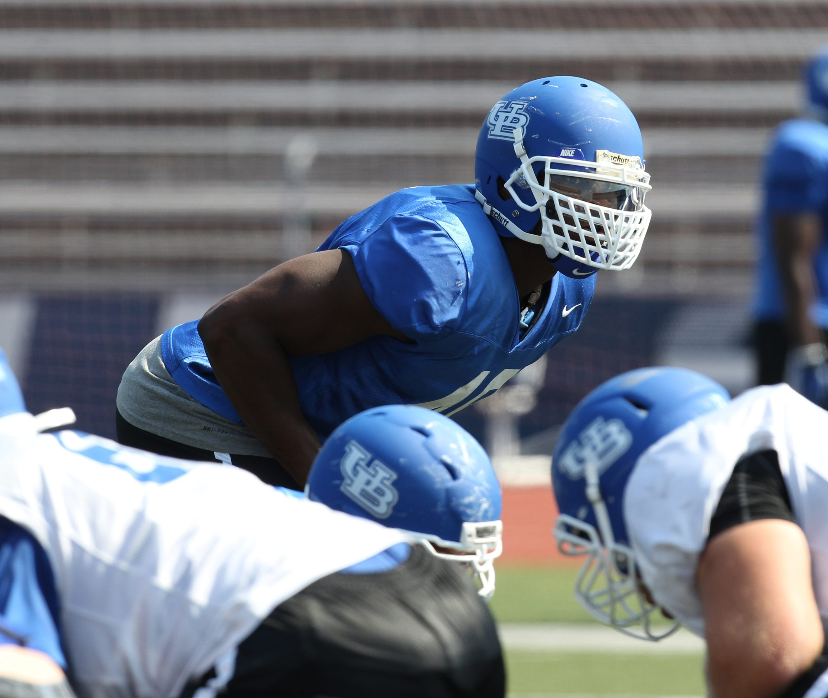 Khalil Mack set one edge of UB's defense from his linebacker position on last year's team, which set a school mark with 34  sacks.