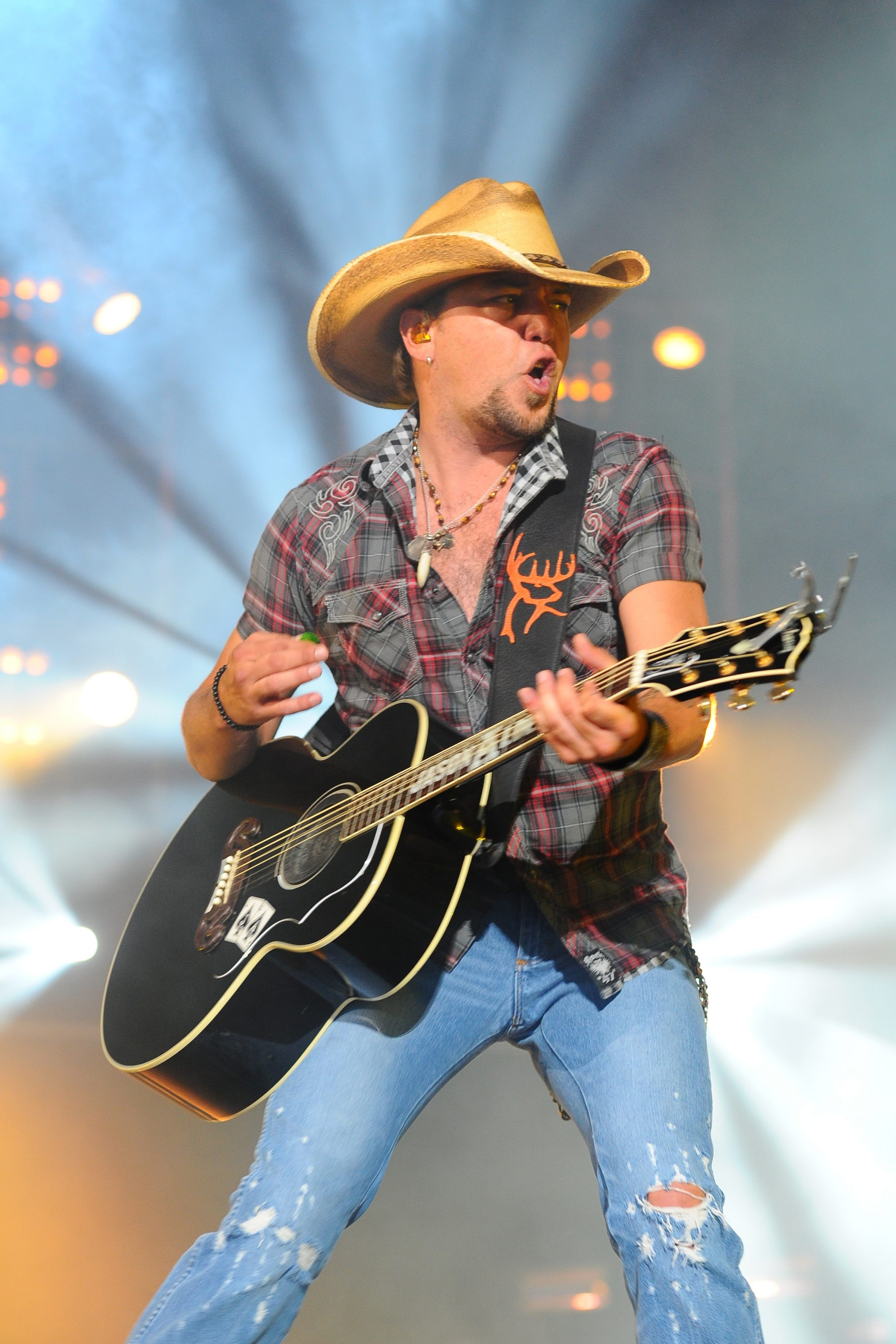 Jason Aldean offered a note-perfect set at Darien Lake Performing Arts Center Saturday.